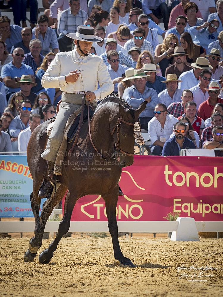 Ezequiel Leon con Hispano