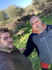 Pedro Martin y yo después de una dura jornada preparando para Picogordos